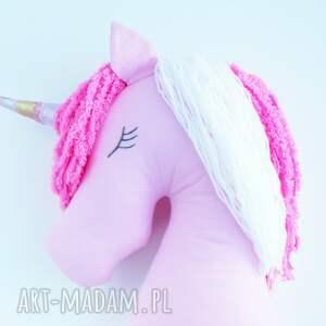 pomysł na prezent różowe bajkowy jednorożec poduszka