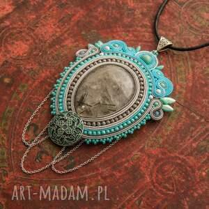 biżuteria kwarc wisior naszyjnik sutasz w stylu