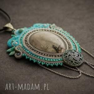 szare biżuteria naszyjnik wisior sutasz w stylu