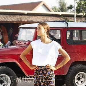 modne bluzki biała bluzka z bawełny