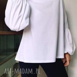nietypowe bluzki bluzka biała z bufiastymi