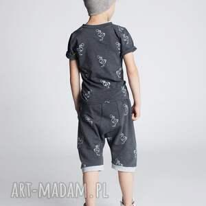 ręczne wykonanie bluzki koszulka chk15g