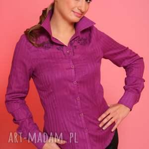 bluzki: purpurowa koszula z ozdobnym haftem guziki