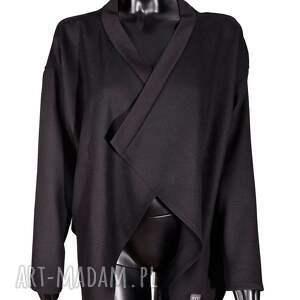dłuższe bluzy czarna narzutka z wełny