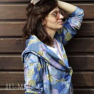 niebanalne bluzy na lato długa bluza oversize w liście