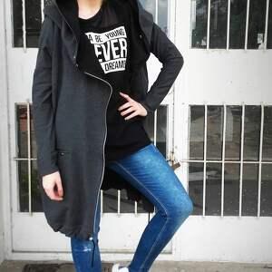efektowne bluzy szara, grafitowa, dresowa bluza, długa
