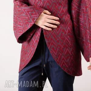 bluzy wełniana narzutka w pleciony wzór