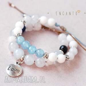 białe bransoletki naturalne blue and white