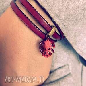 czerwone bransoletki rzemień bordowa bransoletka z liściem