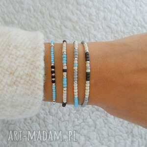 szare minimalistyczna bransoletka w kolorze błękitu