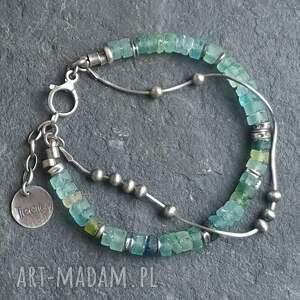 modne bransoletki metaloplastyka bransoletka srebrna ze szkłem