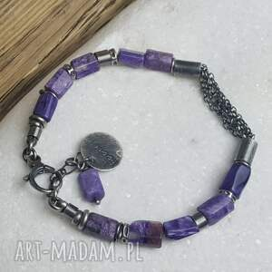 ciekawe bransoletki kamienie-naturalne bransoletka srebrna z czaroitem