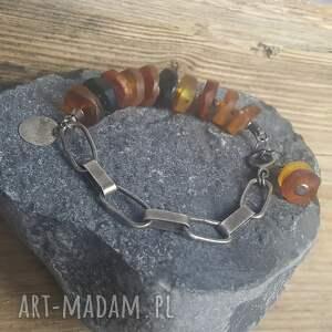 modna bransoletka srebrna z bursztynem