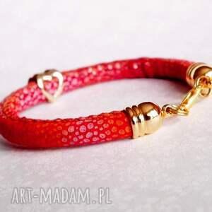 czerwone bransoletki serce bransoletka z serduszkiem
