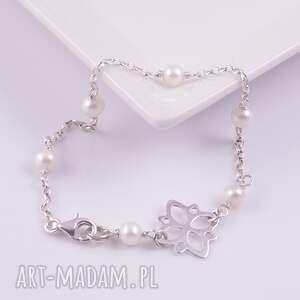białe bransoletki bransoletka delikatna z białych