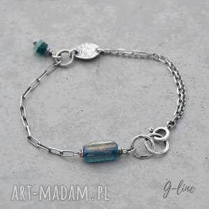 niebieskie szkło z-aganistanu granatowe antyczne. surowa