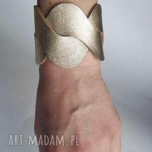 skóra bransoleta wykonana ze skóry naturalnej złotej