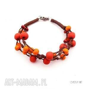 czerwone drewno jarzębina jesienna bransoletka