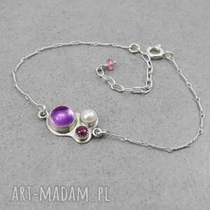 delikatna fioletowe kalejdoskop w purpurze