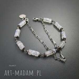 bransoletki księżycowy kamień z łańcuszkiem
