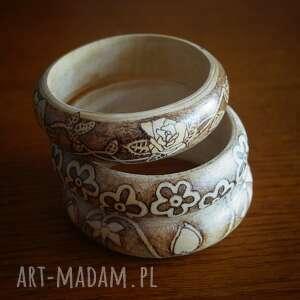 bransoletki pirografia kwietne zawijańce - drewniana