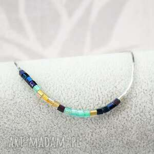 minimalistyczna modna bransoletka