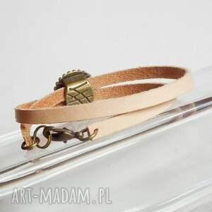 beżowe bransoletki naturalna modna bransoletka z przekładką