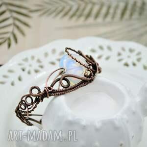 na prezent piękna zdobiona bransoletka w stylu art