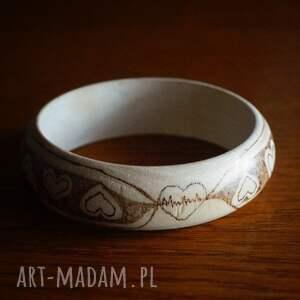 wyjątkowe bransoletki drewno serduchowa bransoletka - ręcznie