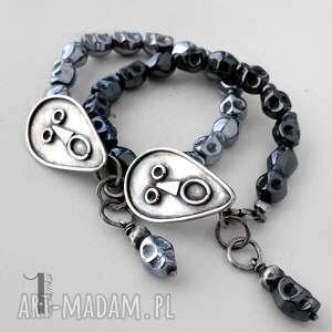 niesztampowe bransoletki czaska siyah i srebrna bransoletka