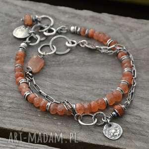 surowa srebrna bransoletka z kamieniem