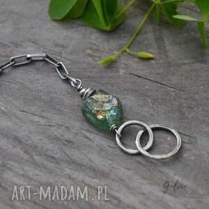 zielone szkło antyczne surowe. srebrna