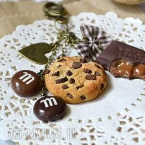beżowe breloki modelina brelok czekoladowego łasucha :-)