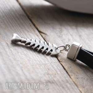 czarne breloki brelok-do-kluczy brelok do kluczy
