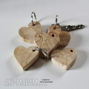 brązowe breloki brelok do kluczy