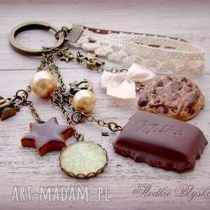 święta prezent modelina czekoladowo-świąteczny breloczek