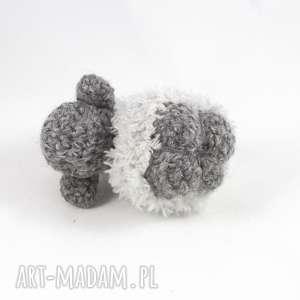 breloki na szydełku owieczka szara berta - szydełkowy