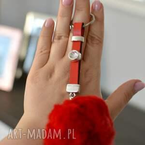 czerwone breloki brelok do kluczy skórzany