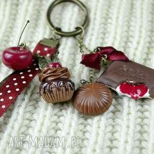 ręcznie wykonane breloki wiśnia wiśnie i czekolada