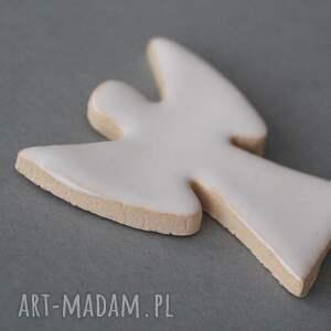 pod choinkę prezent minimalizm anioł-broszka ceramiczna