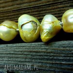 broszki perły zielone broszka agrafka z limonkowymi