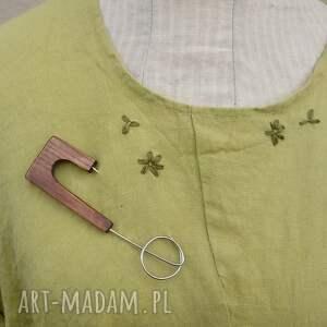 ręcznie robione broszka biżuteria z drewna