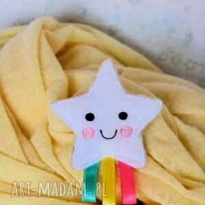 białe broszki gwiazdka broszka dziecięca - tęczowa