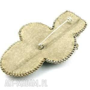 handmade broszki kamienie broszka liść z kamieni