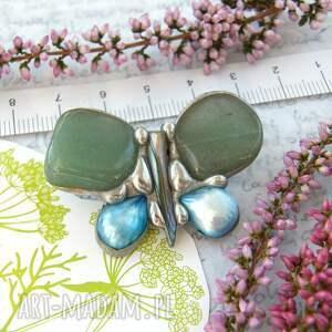 turkusowe broszki broszka z-perłą: mały motyl zielony