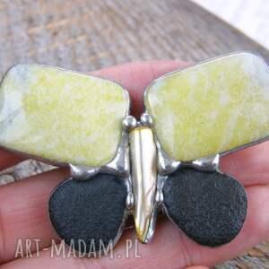 broszka z-kamieni broszki żółte motyl cytrynowy z nefrytem