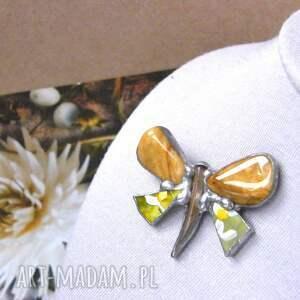 broszki broszka z-kamieni: motyl malowany z jaspisem to unikalna