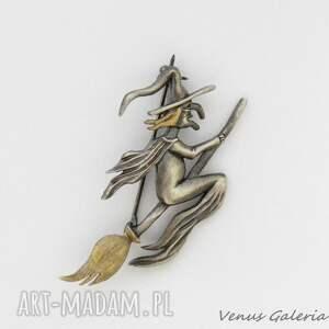niepowtarzalne broszki biżuteria broszka srebrna - wiedźma