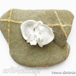 niepowtarzalne broszki biżuteria broszka srebrna - biała