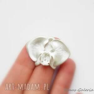 broszki srebro broszka srebrna - biała orchidea